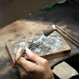 Chantaburi ist bekannt für seine Edelsteine und Schmuckhersteller welche die Edelsteine verarbeiten